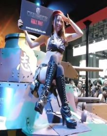 98-2013Tokyo Game Show – World of Tanks